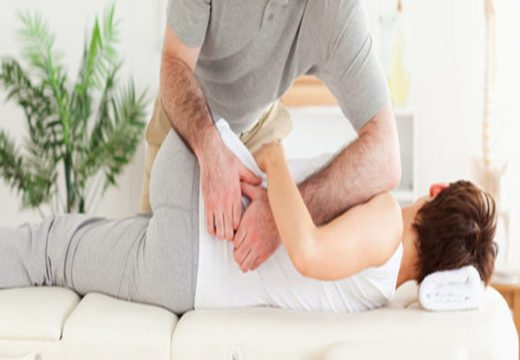 Why You Should Consider Visiting the Chiropractor